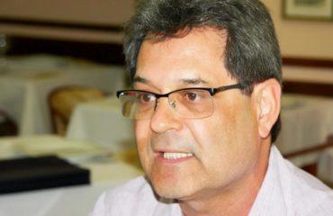 O velho Marcelón! Prêmio Humboldt para Marcelo Neves